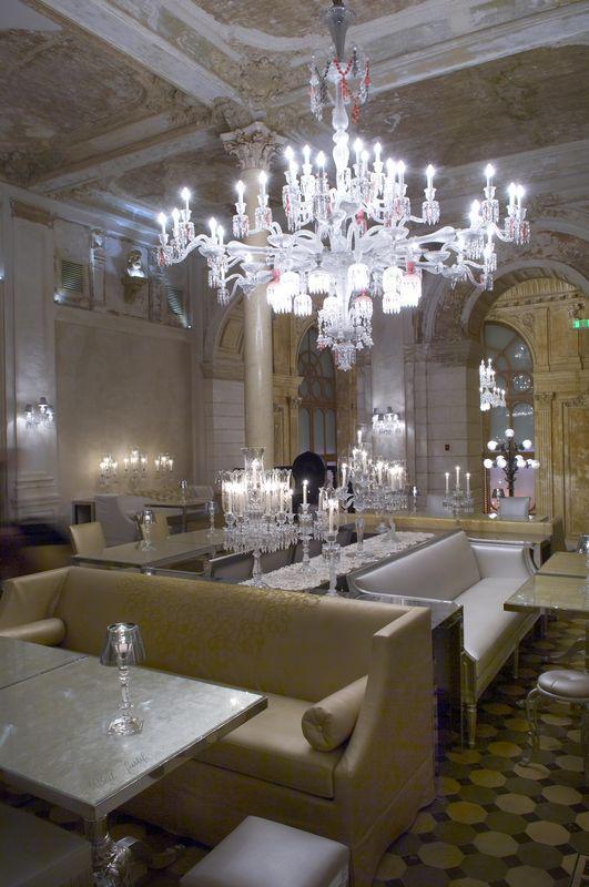 Le Bégonia D Or interior decoration - atelier le bégonia d'or - goldwork embroidery